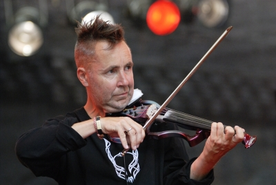 Nigel Kennedy Profile Image